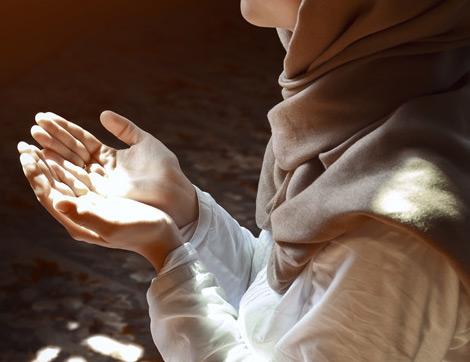 Kadir Gecesine Özel Bir Namaz Var mı? Kadir Gecesinde Nasıl Dua Etmeliyiz?