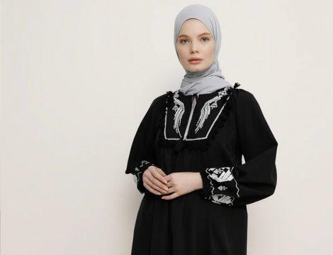 Nakışlı Tesettür Siyah Elbise