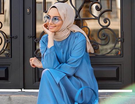 2020'nin Moda Rengi Klasik Mavi Yaz Kombinlerinde Nasıl Kullanılır?