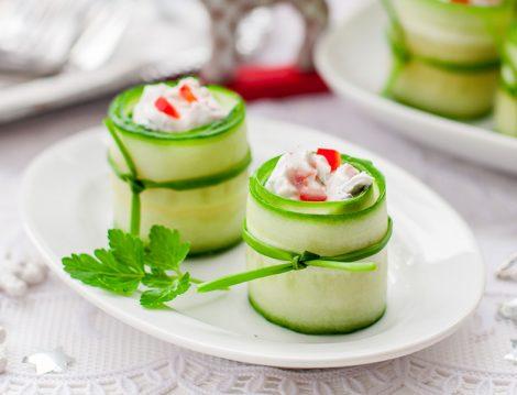 Salatalık Yuvası Tarifi, salata tarifleri, garnitürlü salata