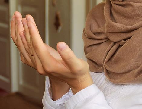 Aşure Günü 70 ve 7 Defa Peş Peşe Okunacak İki Farklı Dua