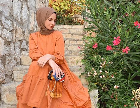 2020 Yazının Öne Çıkan Rengi Portakal Kabuğu Hangi Renklerle Uyumludur ve Nasıl Kombinlenir?