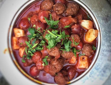 Gaziantep Yöresinin Enfes Yemeği Vişneli Köfte Nasıl Yapılır?