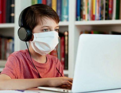 Online Eğitim Kulaklık Kullanımı