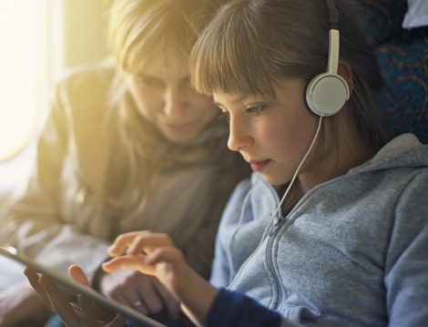 Online Eğitimde Kulaklık Kullanımına Veli Gözetimi