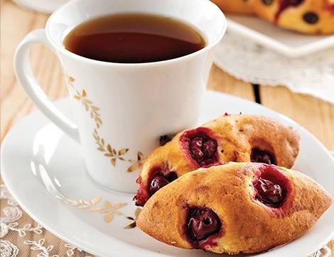 Çay Saatleri İçin İkisi Meyveli Biri Çikolatalı 3 Tatlı Tarifi