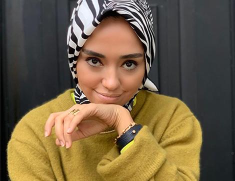 'Mood'una Göre Kombin: Şenlikli Facetime Aramalarının Aranan Yüzü
