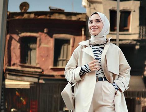 Normalleşmeye Giderken Hala Üzgün Görünen Kıyafetlerinize Enerji Katacak 5 İpucu
